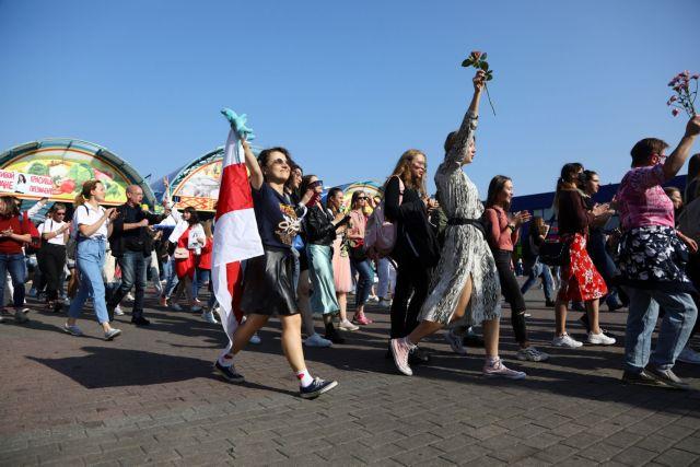 Λευκορωσία : Νέες συλλήψεις στο Μινσκ σε κινητοποιήσεις γυναικών εναντίον του Λουκασένκο 1