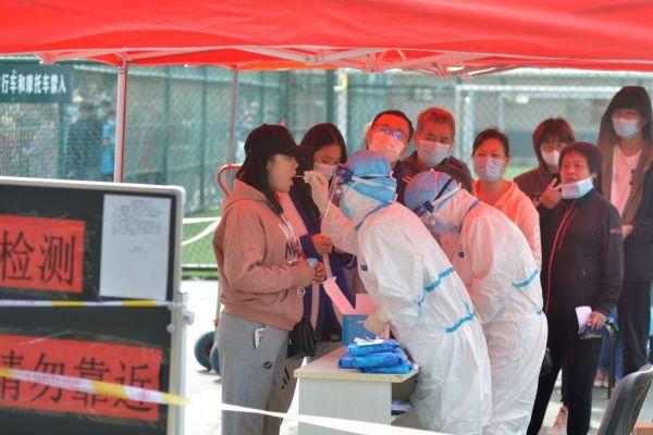 Κίνα : Εκατομμύρια τεστ μετά από 137 ασυμπτωματικά κρούσματα κοροναϊού 1