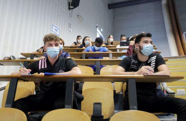 Ευρώπη : Ο κοροναϊός καλπάζει, όμως τα σχολεία παραμένουν ανοιχτά 1