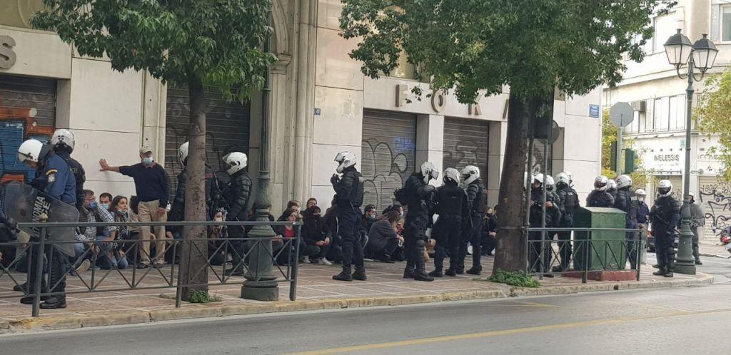 Πολυτεχνείο : Με βροχή χημικών και βία απάντησε η Αστυνομία στις συγκεντρώσεις με μάσκες και αποστάσεις 1