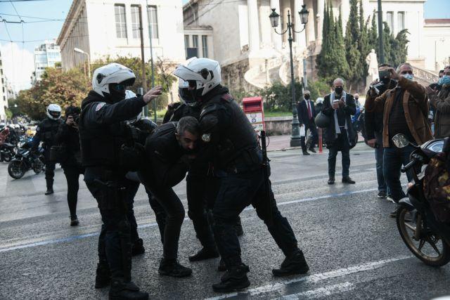 Πολυτεχνείο : Με βροχή χημικών και βία απάντησε η Αστυνομία στις συγκεντρώσεις με μάσκες και αποστάσεις 5