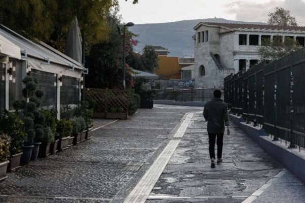 Κοροναϊός : Πρώτη μέρα lockdown, αλλά και 2.556 νέα κρούσματα – Τι λένε οι ειδικοί 9